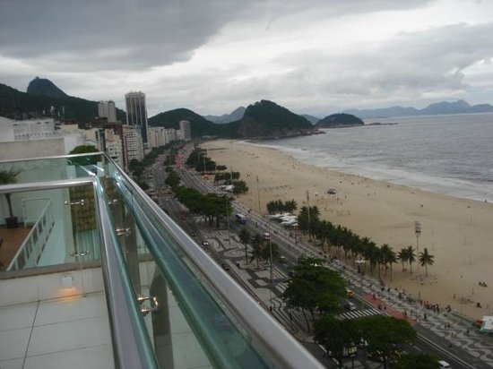 Arena Copacabana Hotel:                   Vista do Terraço para a Praia do Leme