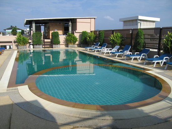 Andaman Phuket Hotel:                   на крыше отеля