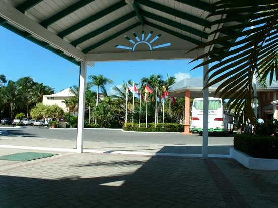 Grand Bahia Principe San Juan:                   Hotel & grounds