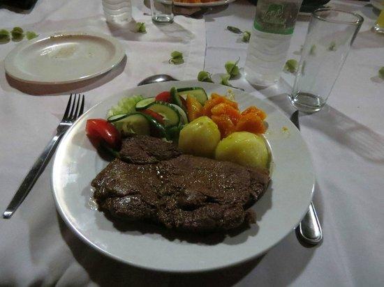 كوالابي سفاري لودج:                   Dinner at the restaurant                 