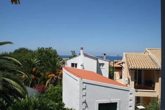Sebastian's Family Taverna & Accommodation :                   Vi kunde se havet
