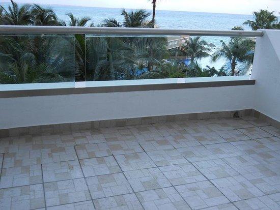 Hotel Riu Caribe:                   terraza