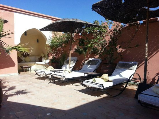 Riad Les Jardins Mandaline:                   Sunny roof terrace