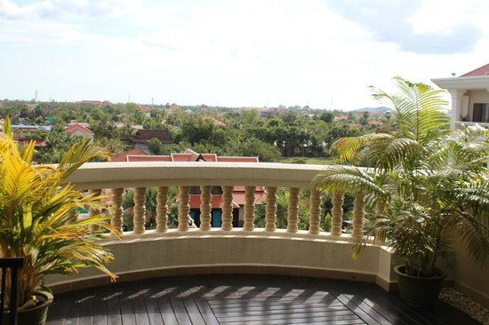Borei Angkor Resort & Spa:                   Balcony