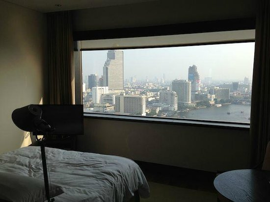 Millennium Hilton Bangkok:                   That's not a picture - it's the panorama window of the room.