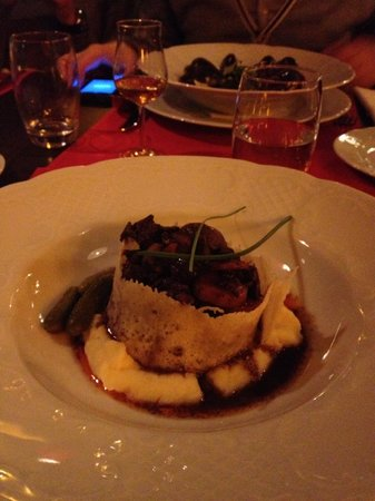 Le Rouge - brasserie & cafe:                   Beef Bourgignon with parmesan crust