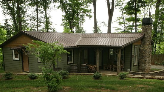 The Farm Cabins & Cottages: Morgan Cottage