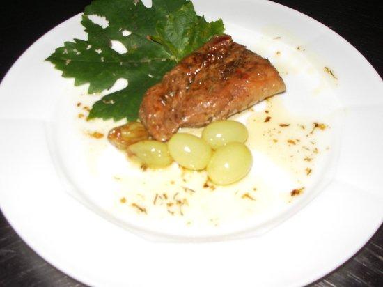 Il Poggio: Filetto di maiale all'uva