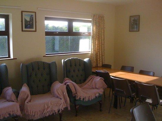 Cong Hostel :                   TV room