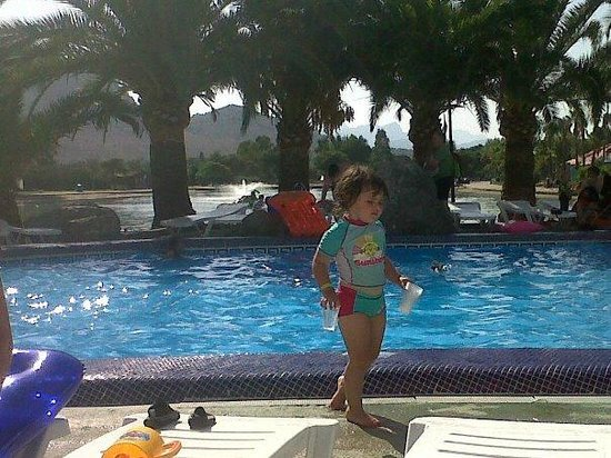 Club MAC Alcudia:                   Saturno pool