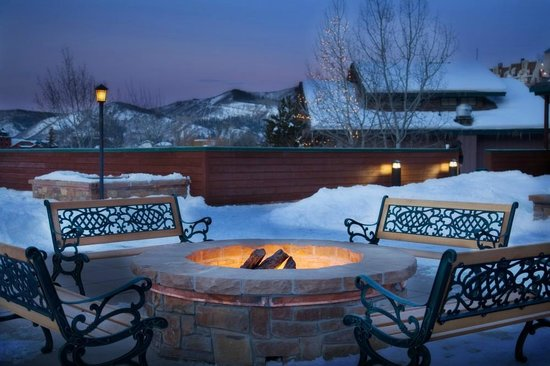Kutuk Condominiums at Steamboat Springs: Kutuk Firepit