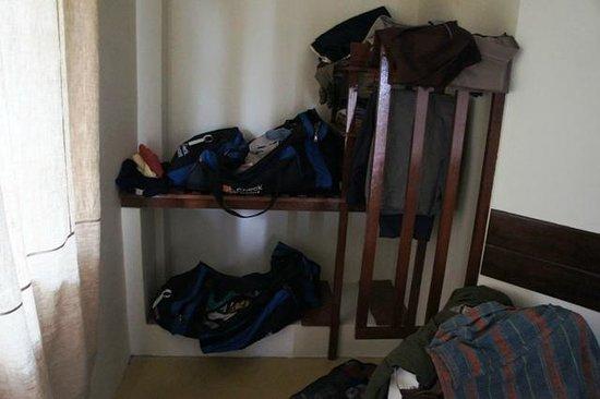 Maekok River Village Resort: Der Schrank und Garderobe