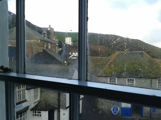 Slipway Hotel: View of hill up to Doc Martin's house