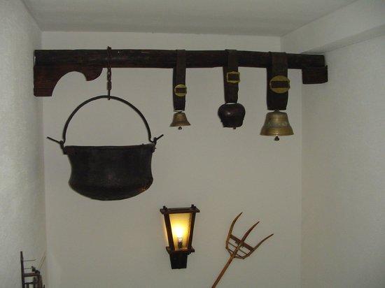Hotel Tschuggen: Cow bells