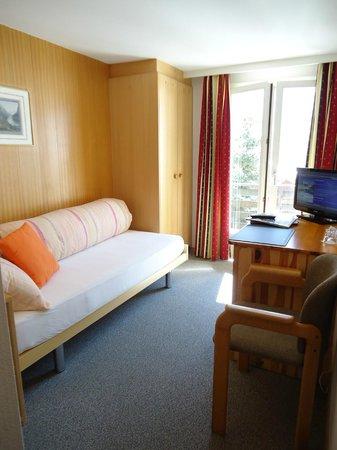 Hotel Tschuggen: Single room with balcony