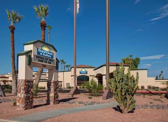 Days Inn & Suites Scottsdale North: Near many Scottsdale attractions