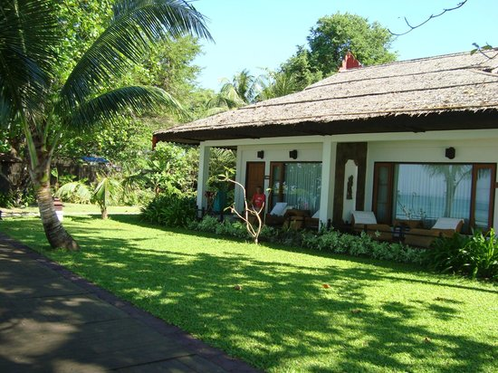 Thande Beach Hotel Bungalow