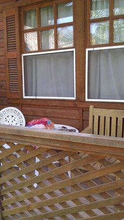 Hotel Honolulu:                   lovely porch