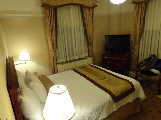 Wellington Hotel:                   visão do quarto assim que chegamos