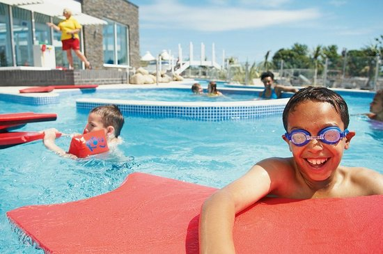 Lazy river at Weymouth Bay Holiday Park - Picture of Weymouth Bay ...