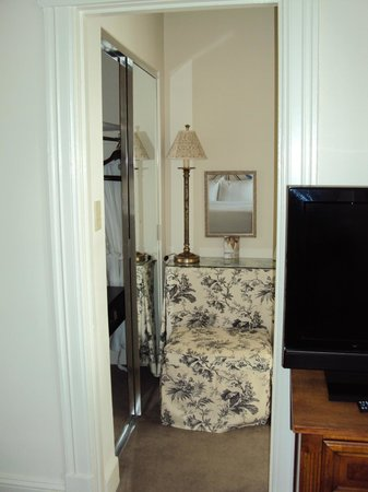 Hotel Lombardy:                   Suite, sitting-dressing area between room and bathroom