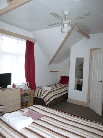 Jasmine Guest House: Family Room Sleeps 4
