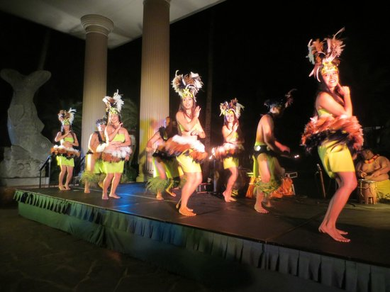Kauai's Best Luau - Hawaii Alive!:                   one of many energetic dances