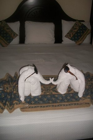 Grand Bahia Principe Jamaica:                   Towel Art