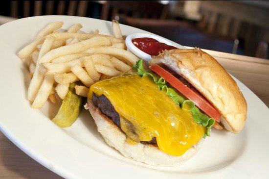St. Francis Brewery: Pub Burger!