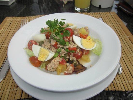 Centara Villas Phuket:                   Tuna Salad