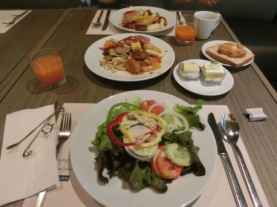 Centre Point Hotel Chidlom:                   breakfast