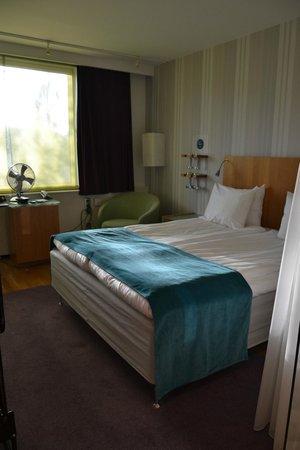 Hotel Aveny: La stanza