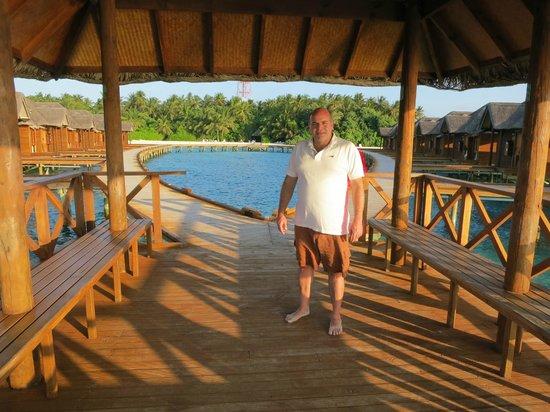 Fihalhohi Island Resort:                   Me