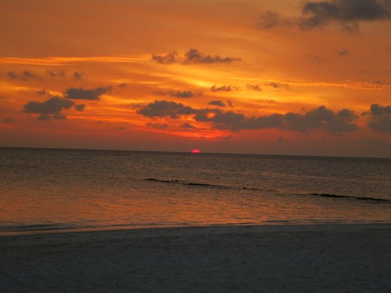 Fihalhohi Island Resort:                   Sunset