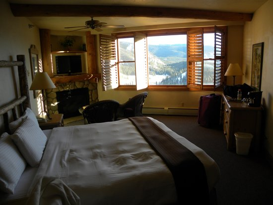 The Lodge at Breckenridge:                   Room