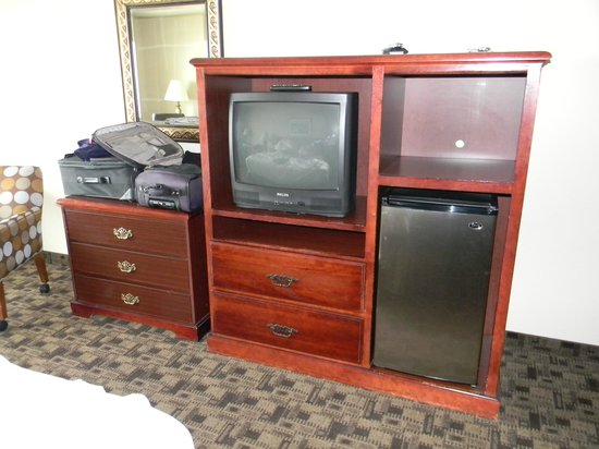 Shilo Inn Suites Hotel - Newport:                   Furniture & Electronics need updating