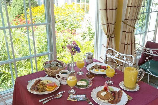 Arlington Inn: Full Cooked to order breakfast