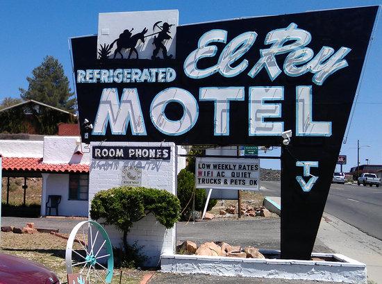 Photo of El Rey Motel Globe
