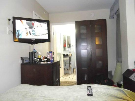 Hotel Mela:                   Bedroom
