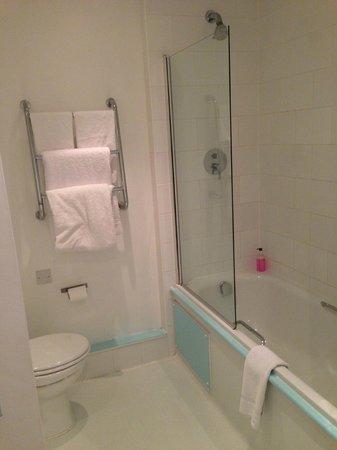 The Big Sleep Hotel Cheltenham:                   Bathroom- lovely and clean.