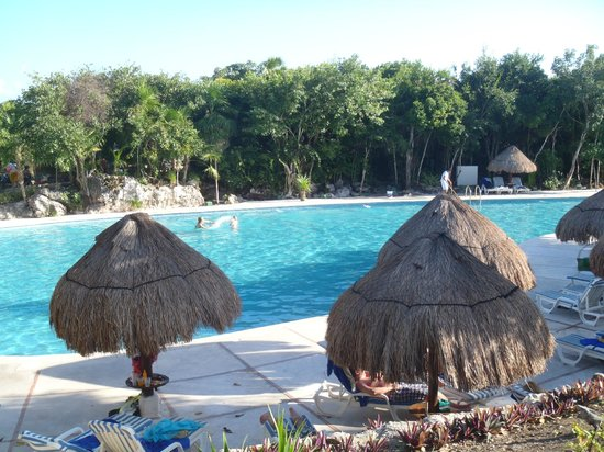 Grand Sirenis Riviera Maya Resort & Spa:                   en av poolerna