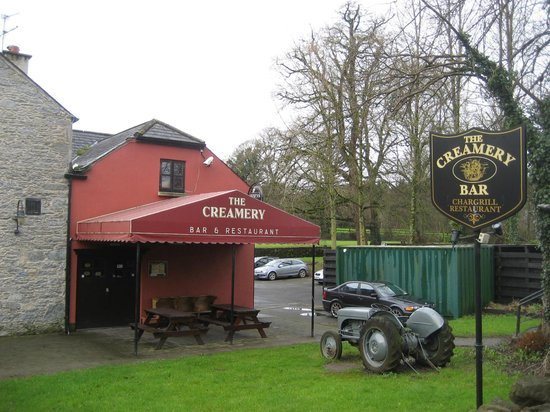 The Creamery Bar and Restaurant: Outside