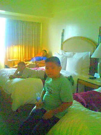 Cebu City Marriott Hotel: rooms-Nice business hotel