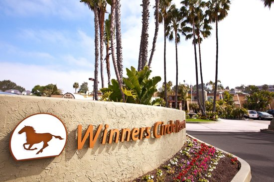 Winners Circle Resort : Resort Sign