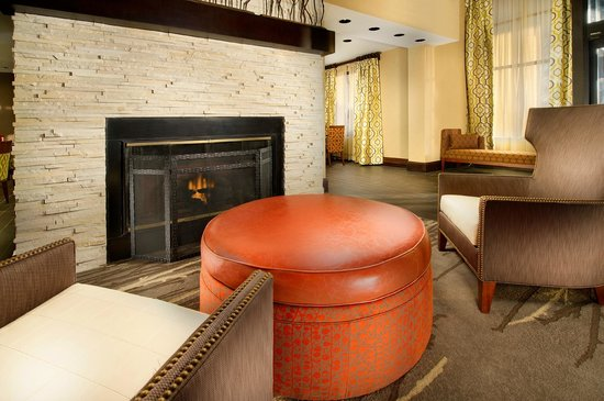Hampton Inn Haverhill: Our lobby was designed for your comfort.