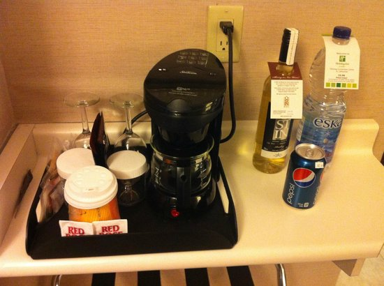Holiday Inn Hotel & Suites St. Catharines Conference Centre: coffee machine