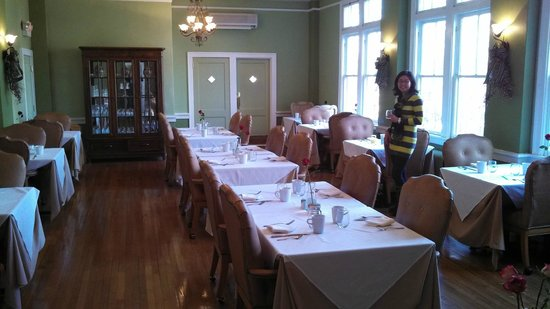 Princess Anne Hotel: Dining room!