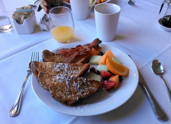 Princess Anne Hotel: More yummy breakfast!