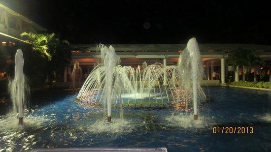 Catalonia Bavaro Beach, Casino & Golf Resort:                   Cascadas