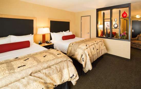 Cambria Hotel Rapid City: 2 Queen Suite